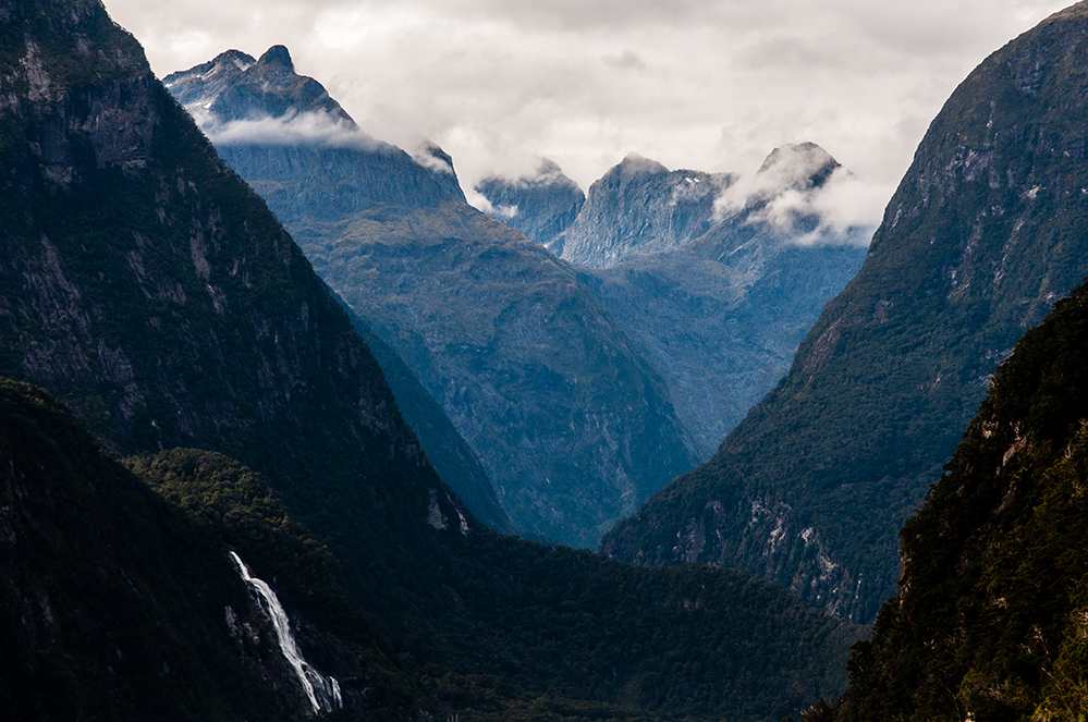 Nouvelle-Zélande - Milford Sound's Mountains